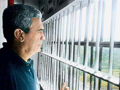 Ex-aliado de Chávez, Baduel está preso em Ramo Verde, a uma hora de Caracas (Foto: Divulgação)