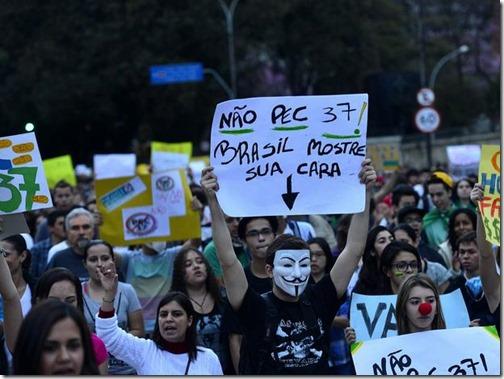 06spprotestopec37paulistacartazfborges