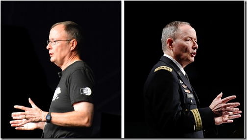 Keith Alexander, Director of the NSA: 2012, camiseta da EFF; 2013, uniforme militar completo [ambas as fotos na DEFCON].