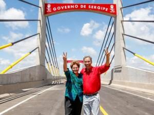 Dilma com o governador de Sergipe na ponte: piada e bafafa no Nordeste