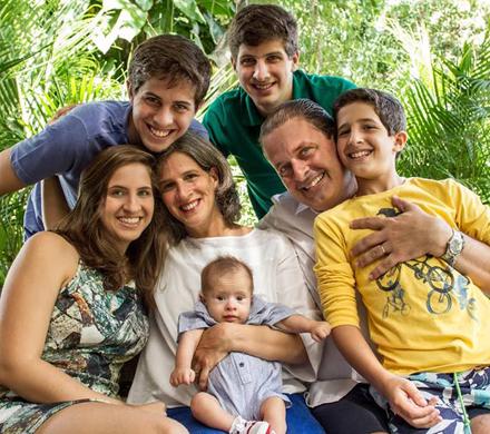 http://s1.trrsf.com/blogs/63/files/image/EDUARDO_FAMILIA.jpg
