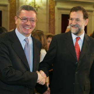 http://s1.trrsf.com/blogs/68/Gallardon_Rajoy_imagen_archivo.jpg