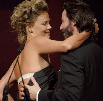 keanu reeves charlize 350 x 344 24 kb jpeg credited to entretenimiento